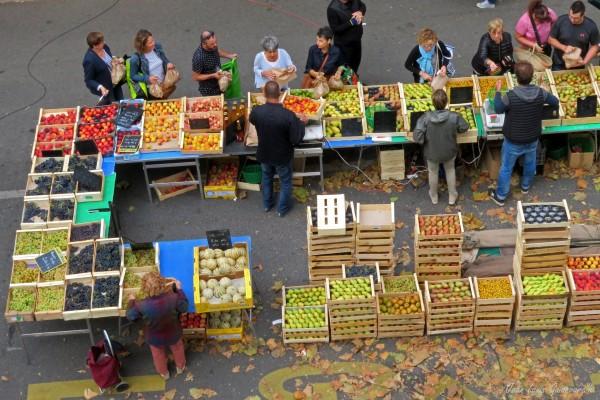Un marché d'automne