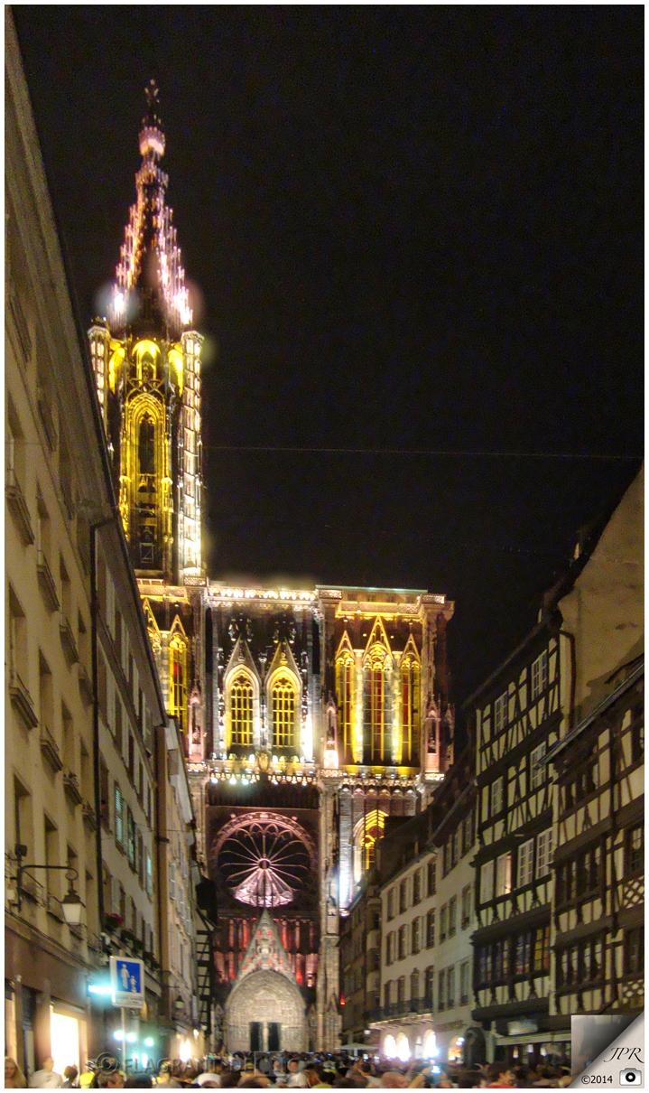 La Cathédrale illuminée - Illuminated Cathedral