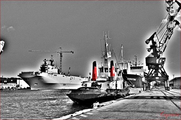 Cheminées rouges série portuaire