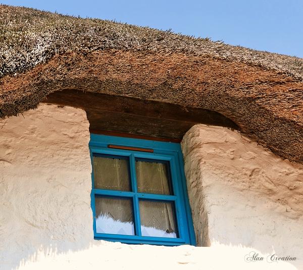 La petite fenêtre bleue