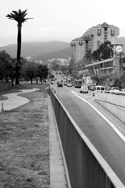 dabnotu,barcelona,monochrome,lensblr,cityscape