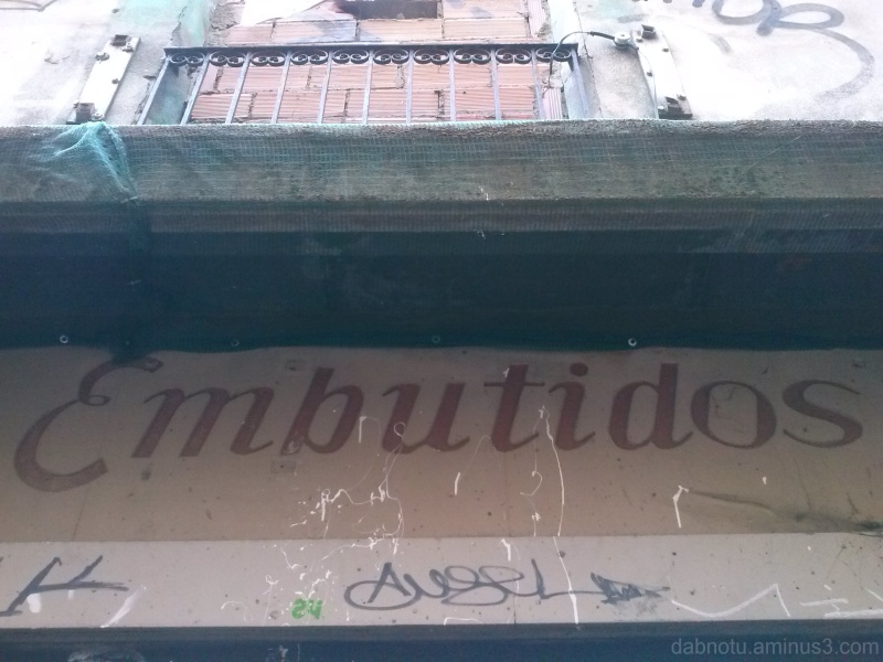 Unedited Barcelona street urban exploration.