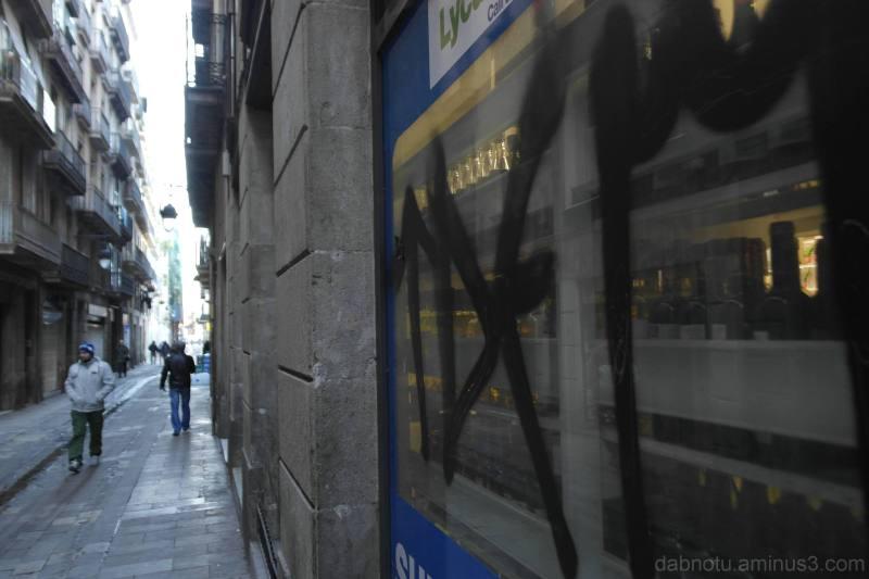 Straight up unedited Barcelona street photo.