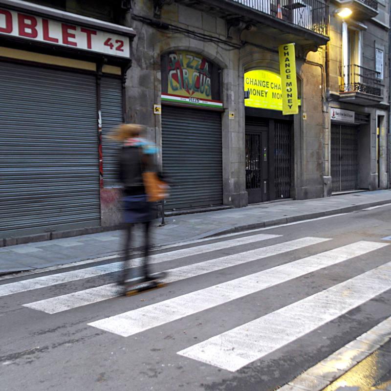 Blurry skater, Barcelona/Raval, street, morning.
