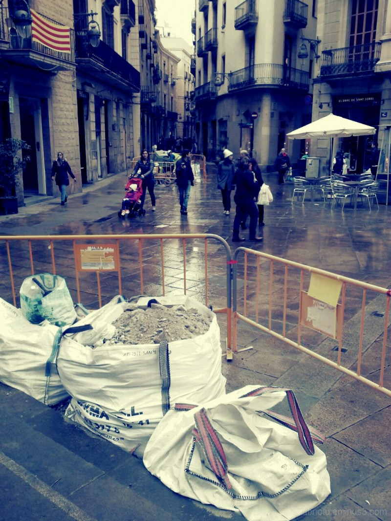 Barcelona street smartphonography, in-camera.