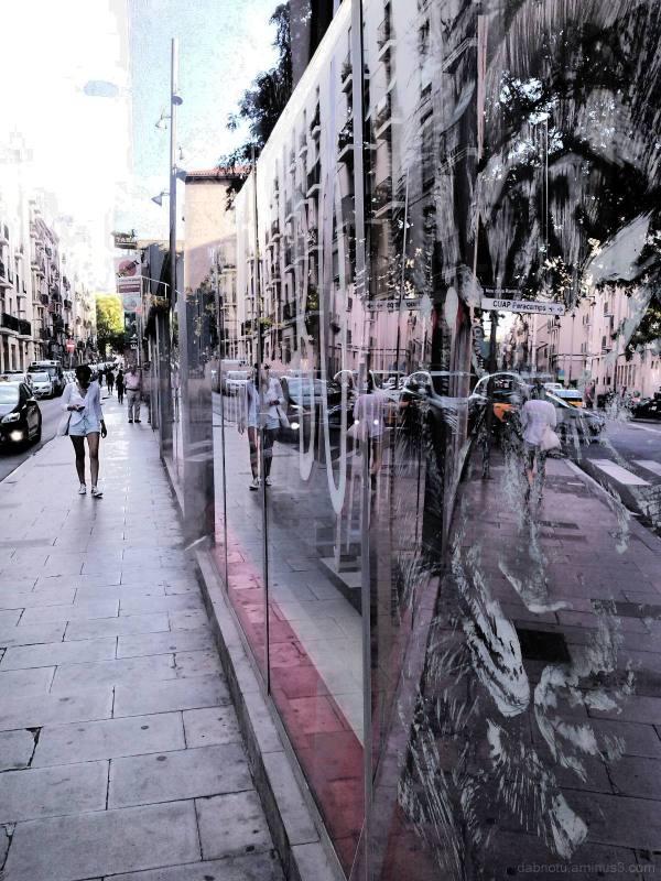 Barcelona smartphone street photography +The GIMP!