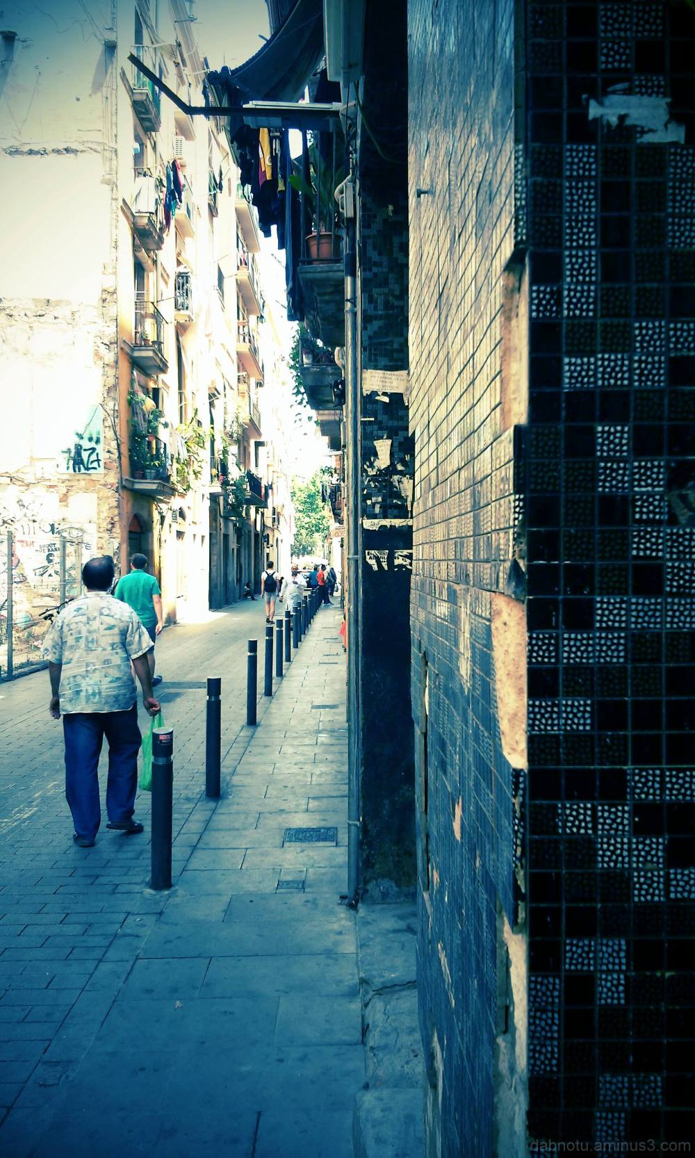 Barcelona smartphone digital street photography