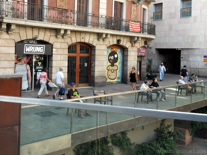 Barcelona smartphone street photography +The GIMP!