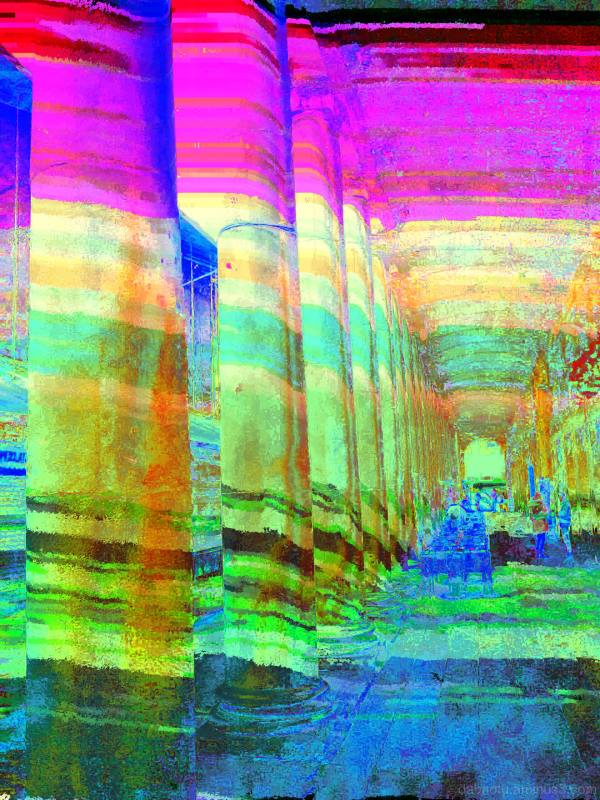 Glitch image, made with smartphone/XVI32/The GIMP.