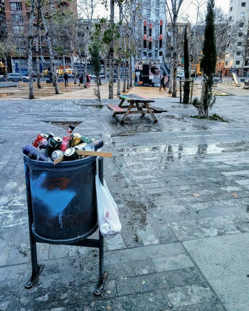 Slightly edited Barcelona smart/streetphotography!