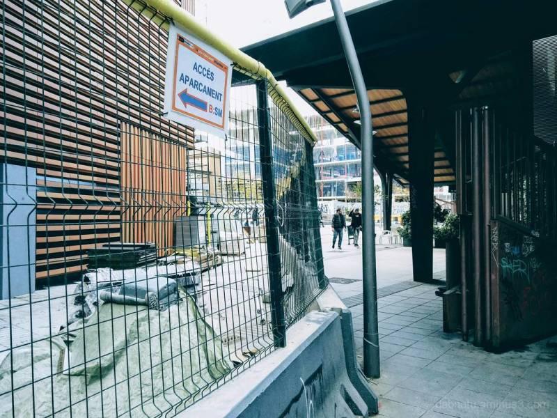 Slightly edited urban smart/street photography