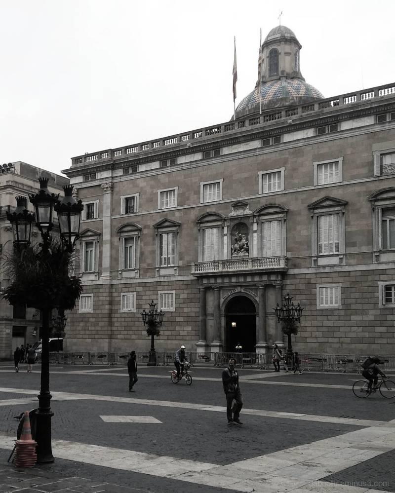 Barcelona edited smart/street photography.
