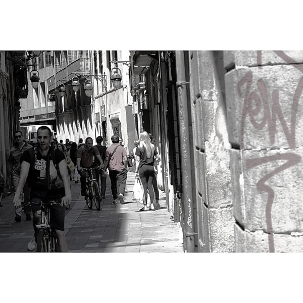 #barcelona #desaturated #streetphotography