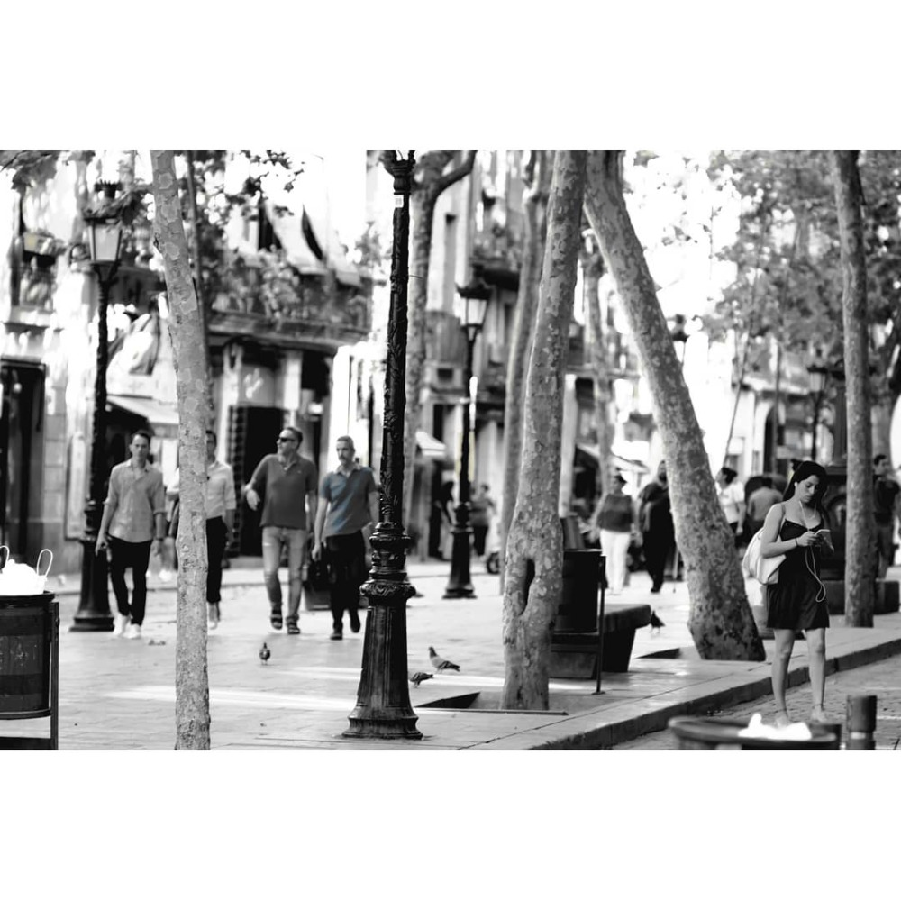 #barcelona #desaturated #streetphotography #xt1