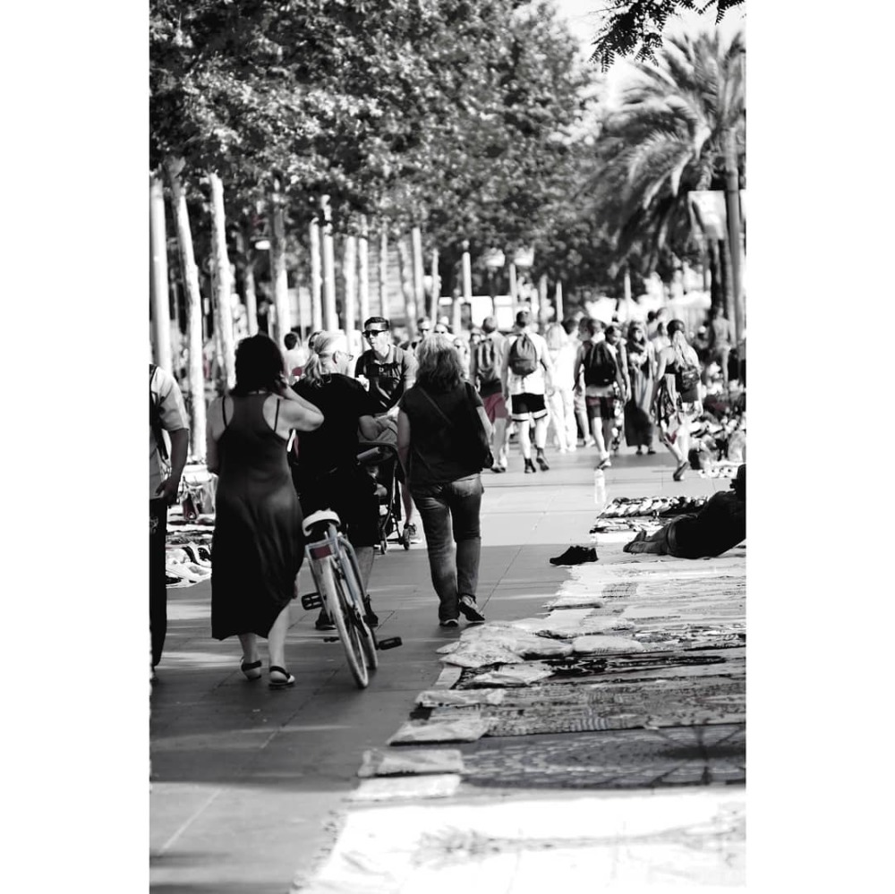 #barcelona #desaturated #streetphotography #xt1 #n