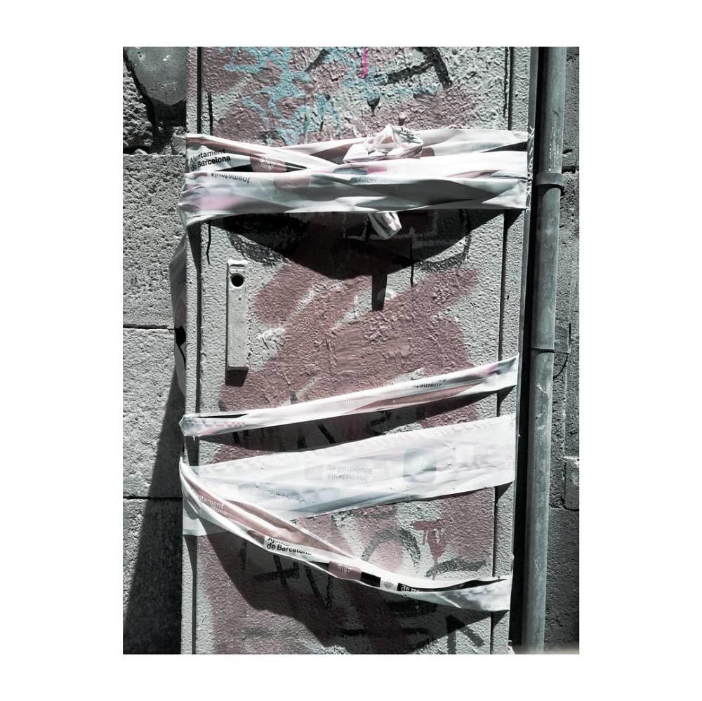 #lgk10 #xnview #desaturated #ciutatvella #urbanex