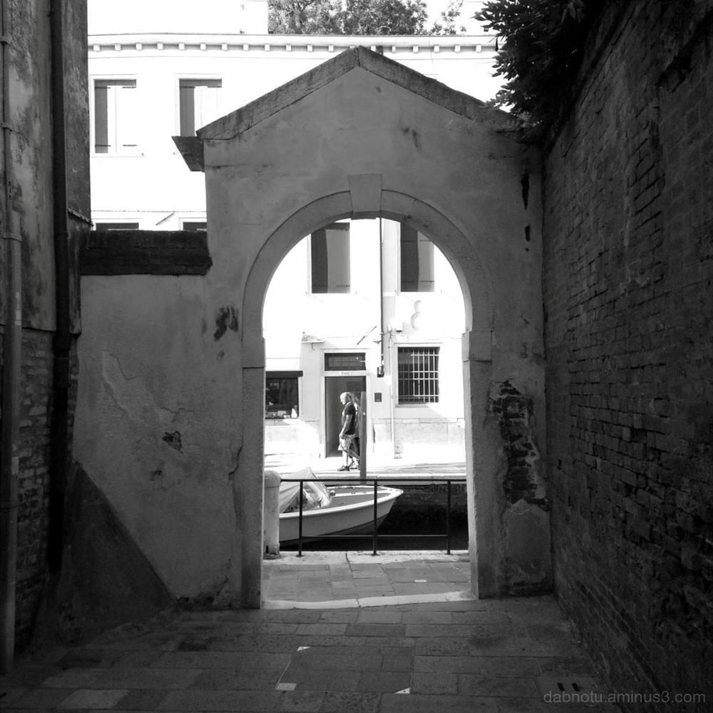 A street snippet in Abano Terme, Veneto, Italia.
