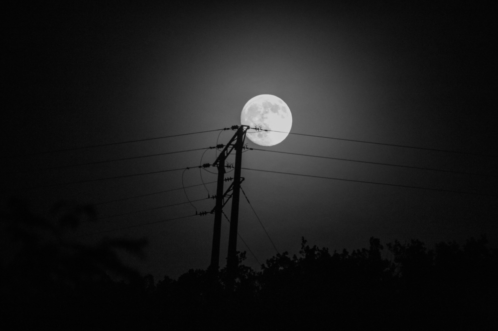 Moon on electric installation