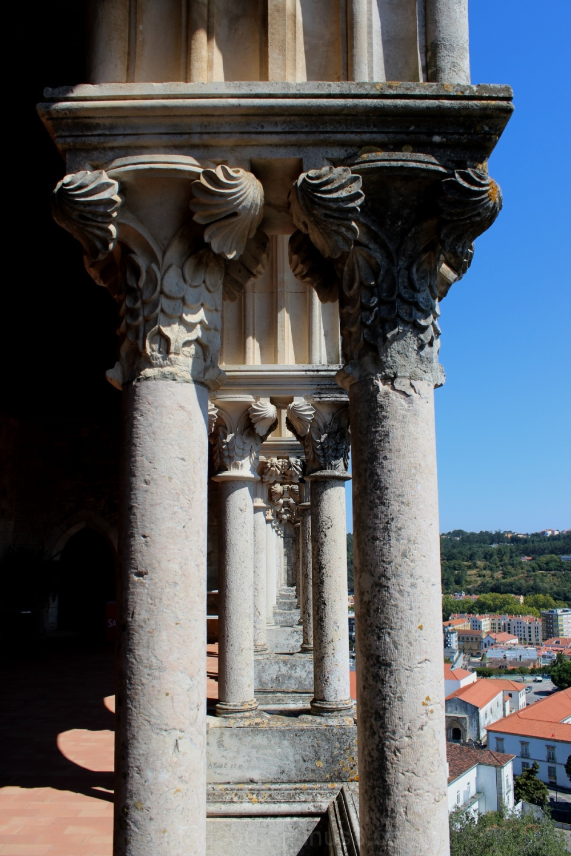 Colunas dos paços do castelo