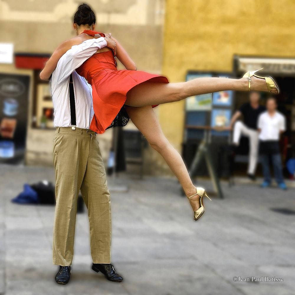 Tango tango ...
