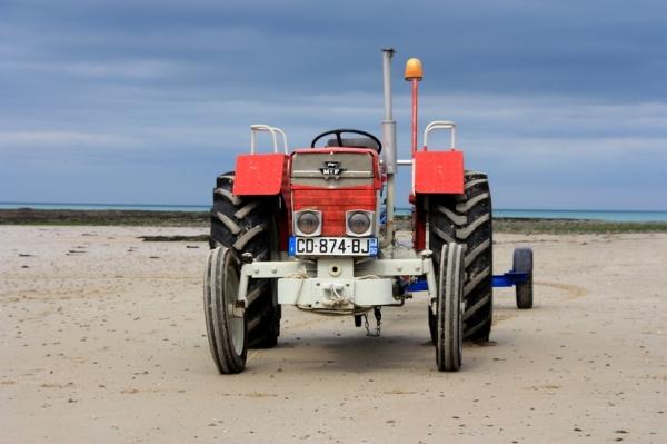 Tracteur sur la plage