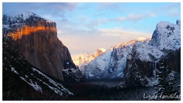 Tunnel View of Yosemite Valley