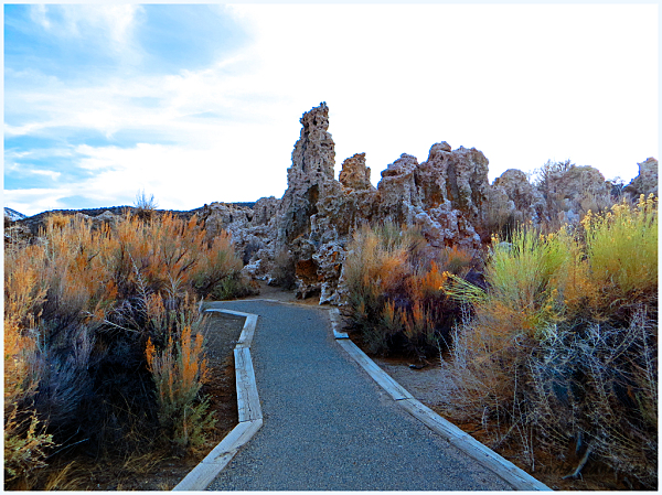 South Tufa's Walking Trail