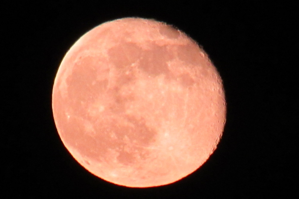 red full moon