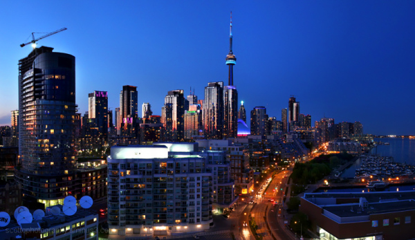 A cityscape of downtown Toronto