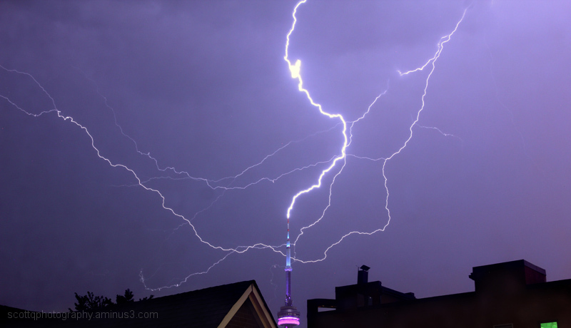 Lightning hitting the cn tower