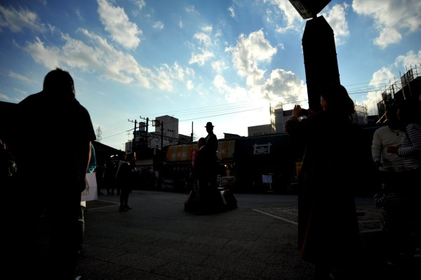 Shibamata station,shadow