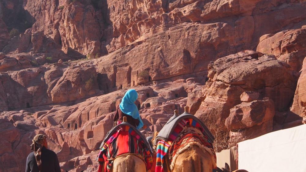 Jeune fille au chameau