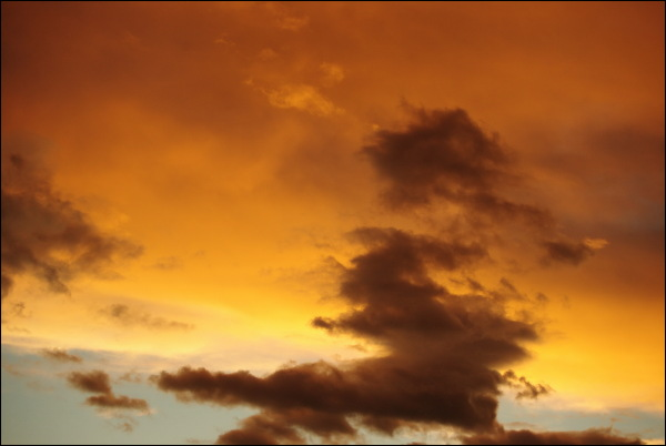 strange orange sky in may 2014