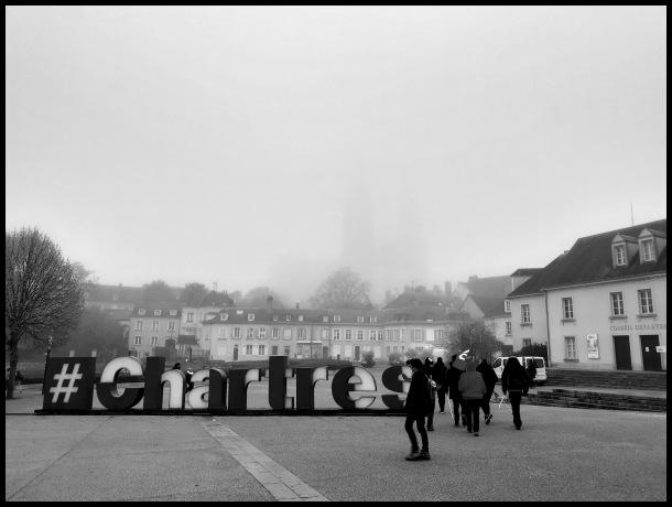 Cathédrale dans la brume