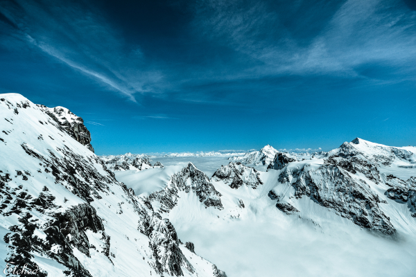The endless snow peaks of Titlis