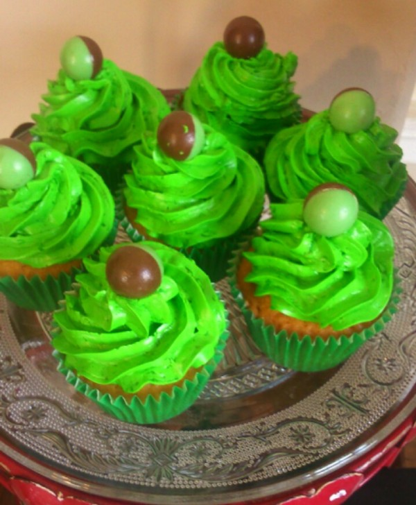 St Patrick's Day Ireland, green cup cakrs