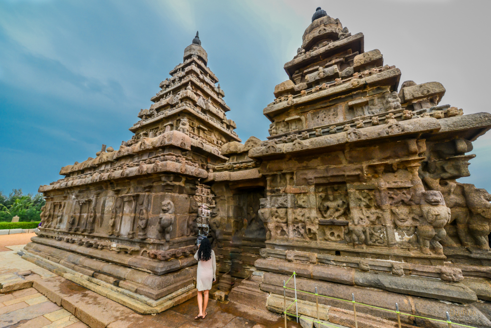 Visiting the shore temple