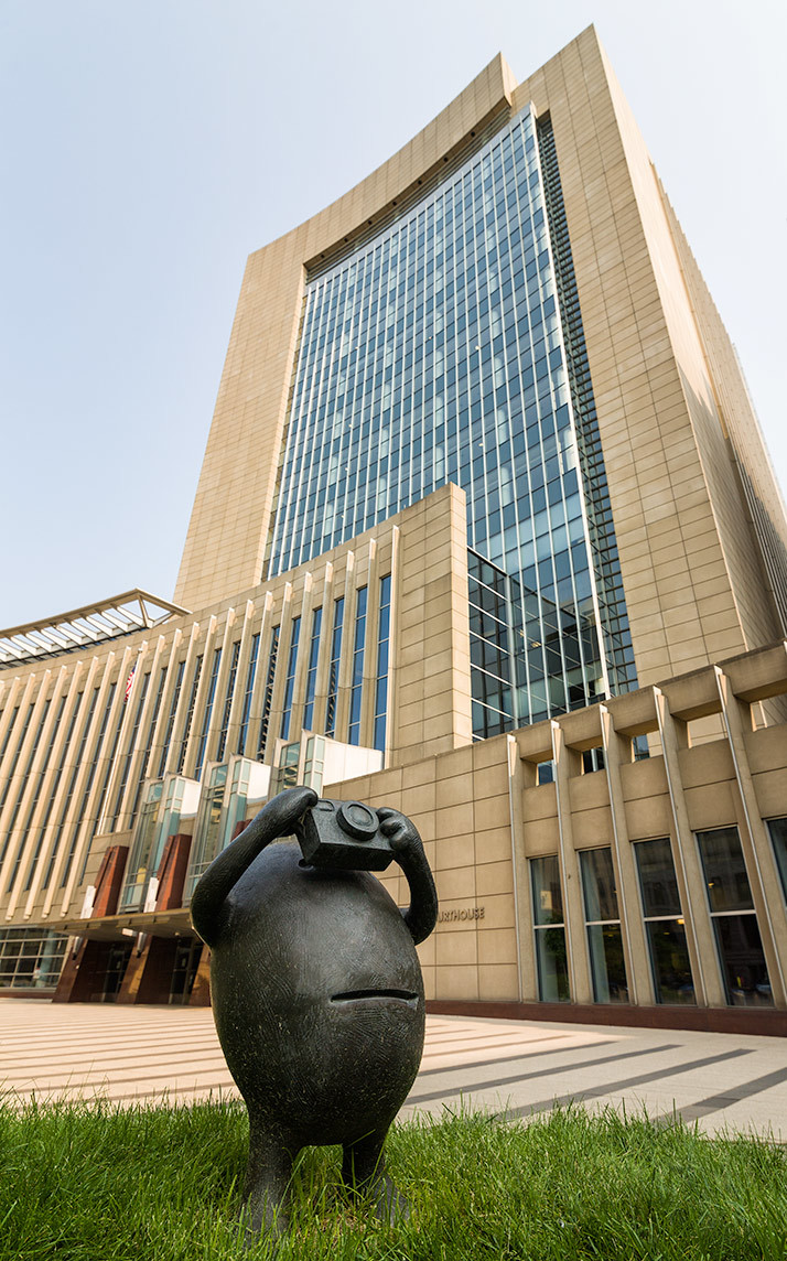 Minneapolis courthouse with tom otterness sculture