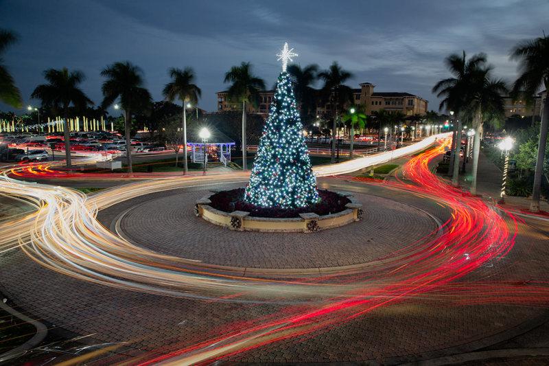 Car Trails around a Xmas tree in Fort Pierce, FL