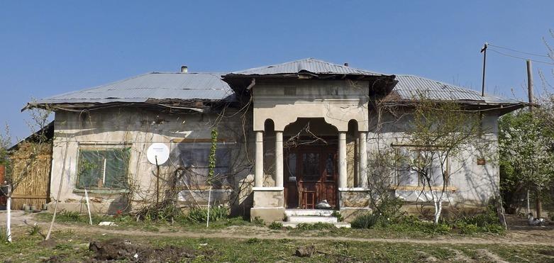 15 (house in Pietrişu, Romania)