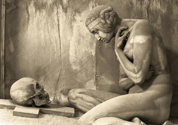 image captured in Genova-Staglieno cemetery