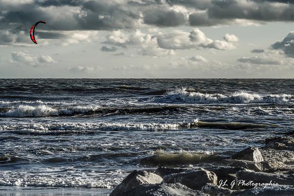 Par dessus les vagues ...