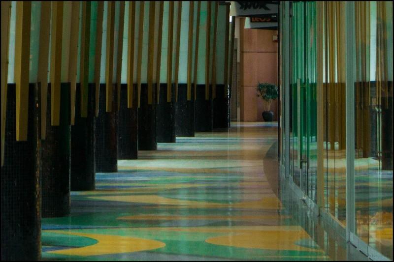 La clarté du couloir...
