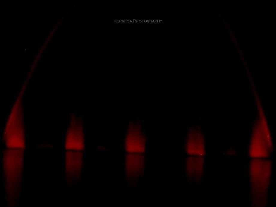 Un Bijou Rouge Dans la Nuit...