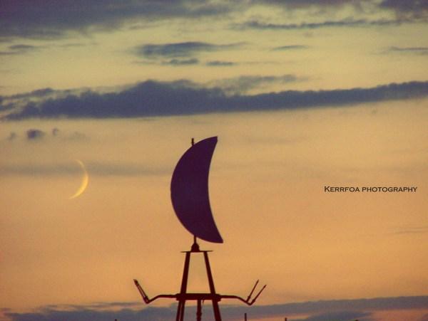 Lune contre L'une