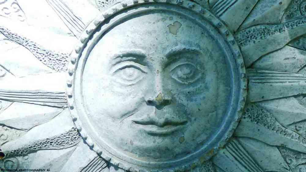 Le soleil à rendez-vous avec la lune