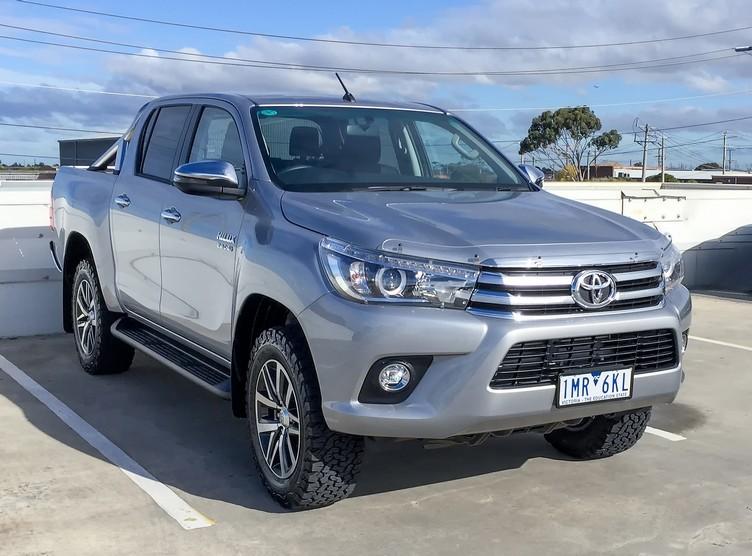 Toyota Hilux SR5 Dual Cab 4WD
