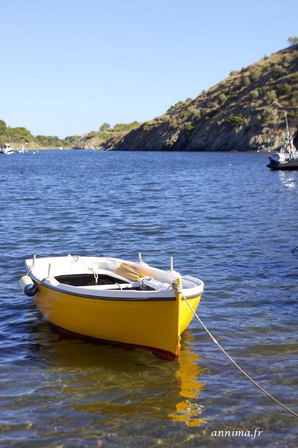 boat, yellow