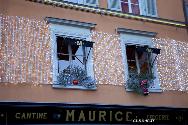 Cafe, light xmas, France