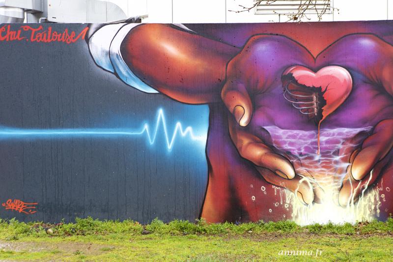 Graffiti, heart, hospital